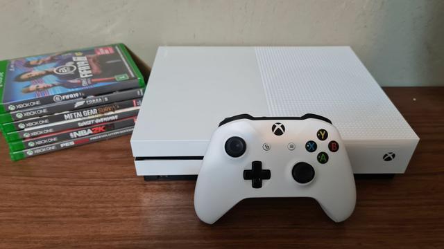 Xbox one s 1tb com garantia - aceitamos ps3 mais volta