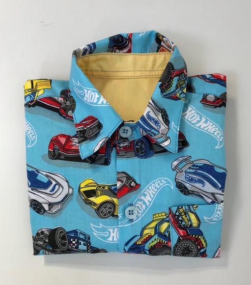 Camisa infantil estampa hot wheels