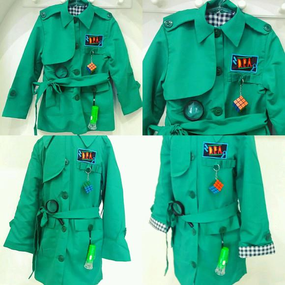 Casaco capa detetive verde dpa