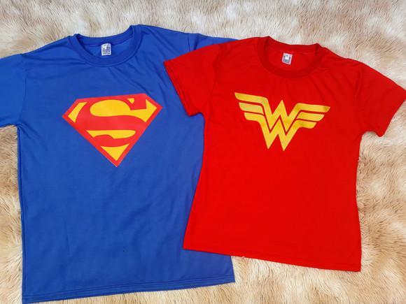 Kit 2 camisetas mulher maravilha e super homem