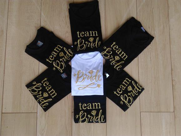 Kit 7 camisetas - 1 bride / 6 team bride