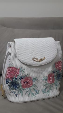 Bolsa mochila carmen steffens (bordada floral)