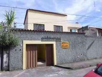 Casa com 3 quartos para alugar no bairro conjunto água