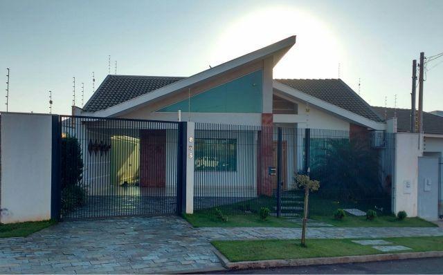 Linda casa no jd. tóquio com 192m² de construção e