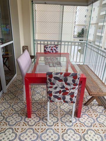 Mesa laca e 4 cadeiras