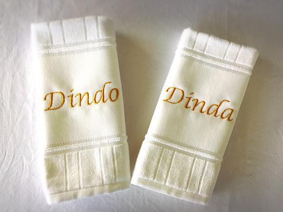 2 toalhas bordadas dindos