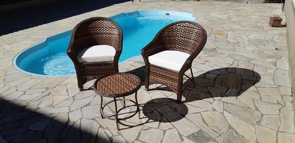 Duas poltrona cadeiras 1 centro fibra sintética varanda