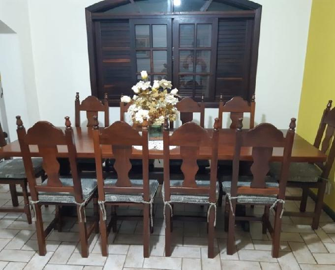 Mesa colonial com 10 cadeiras