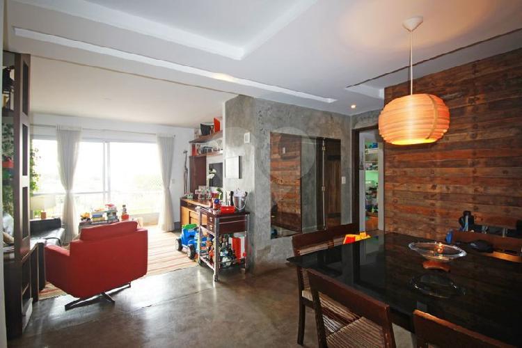 Apartamento reformado e atualizado em perdizes