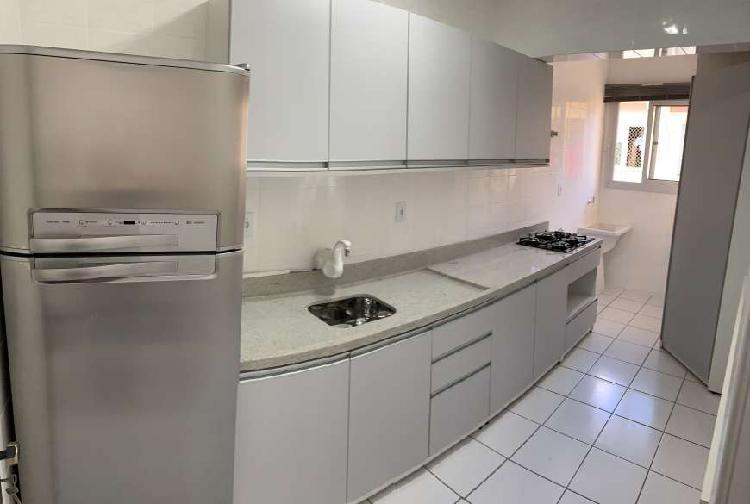 Apto funcional com cozinha e banheiro planejados