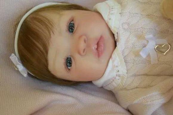 Bebê Reborn Shyann Corpo Inteiro em Vinil Siliconado Pr