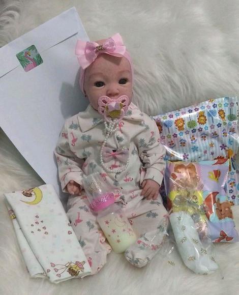 Bebê reborn tata com enxoval