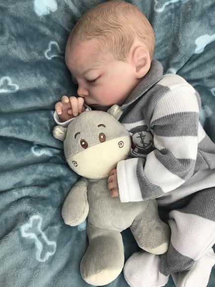 Bebê reborn vinicios por encomenda