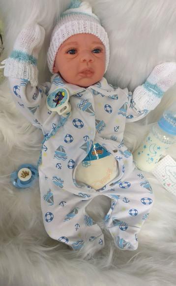 Bebê reborn menino com enxoval de brinde