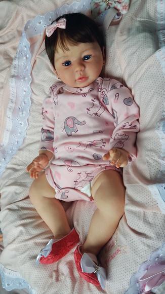 Bebe reborn kilyn corpo inteiro em vinil