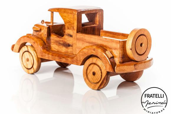 Carro pick-up ford (grande): madeira maciça e envernizada!