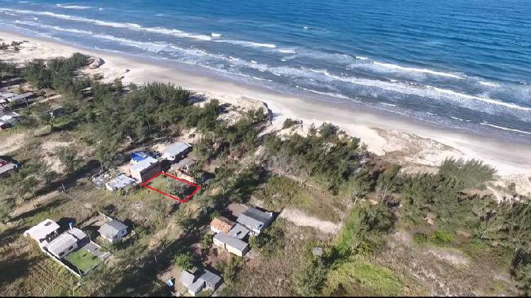 Casa a beira mar dois dormitórios em balneário gaivota sc