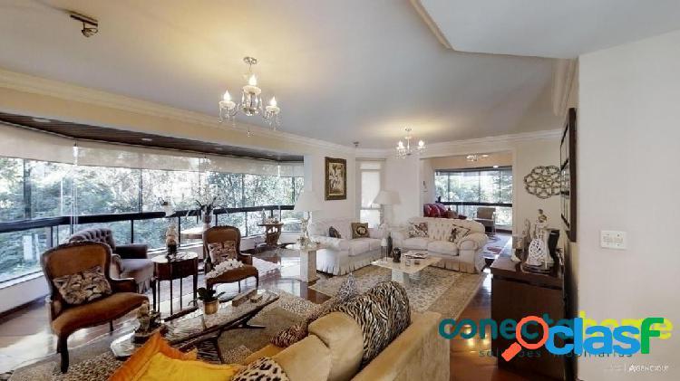 Apartamento de 160 m², 4 dormitórios e 3 vagas na vila suzana