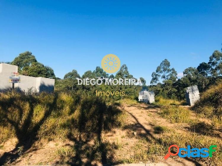 Terreno à venda em terra preta com 900 m²