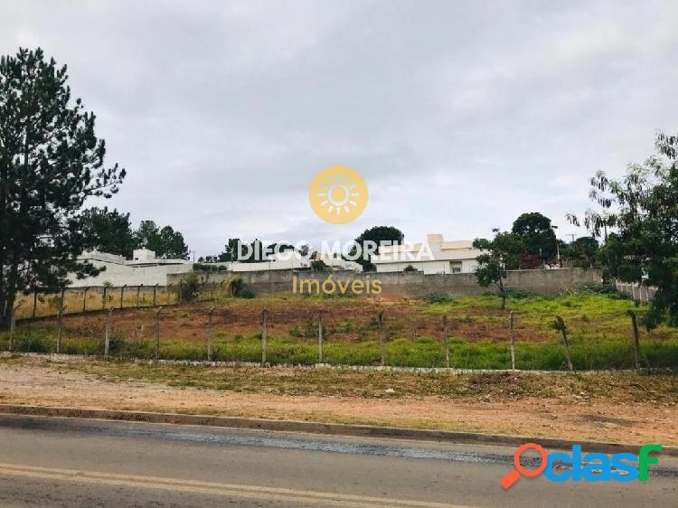Terrenos à venda com área de 540 m²