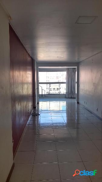2 quartos sendo 1 suíte com sala grande e fechamento de varanda