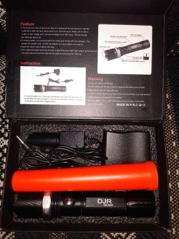 Lanterna recarregável regula foco 1 bateria recarregável