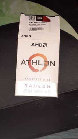 Processador amd athlon 220 ge, usado acompanha o cooler do