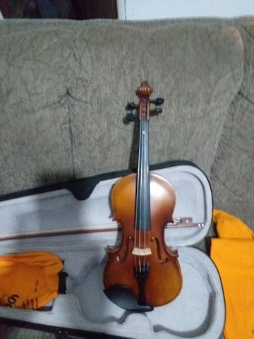 Violino marinos 4/4 semi novo usado apenas 2 meses