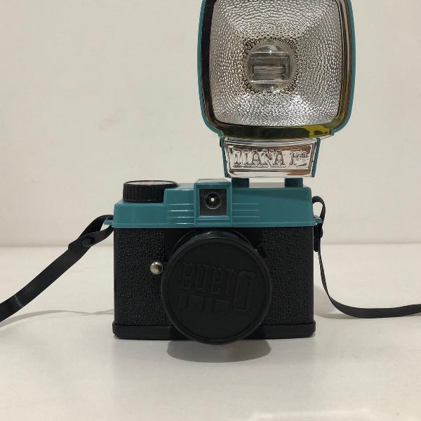 Câmera analógica diana mini - lomography