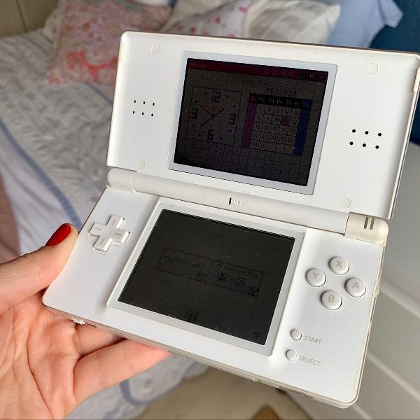 Nintendo ds lite + capinha do equipamento + caixa para jogos