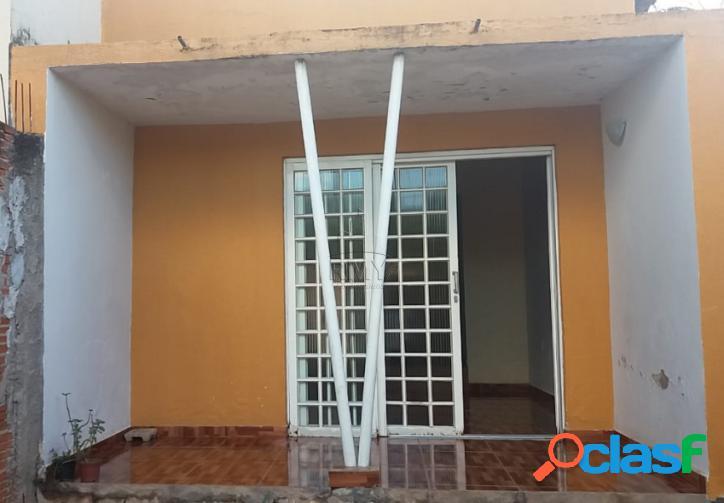Casa Centro 03 qtos sendo 01 suíte - Dom Aquino 1