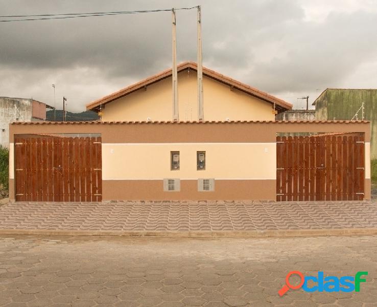 Casa nova geminada próximo ao centro de Itanhaém