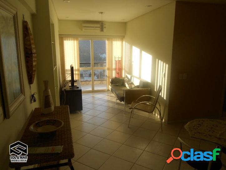 Lindo apartamento, todo reformado, vista ao mar!