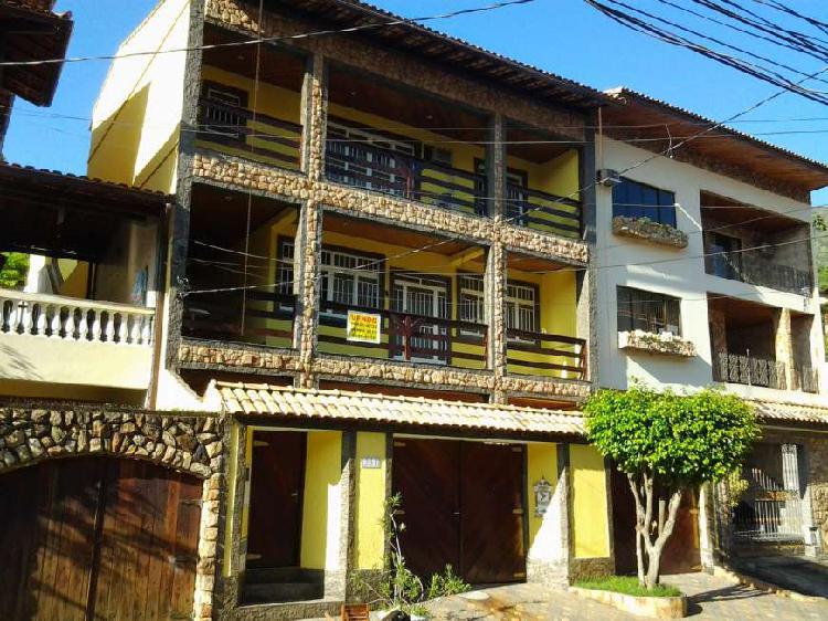 Casa triplex em vila valqueire