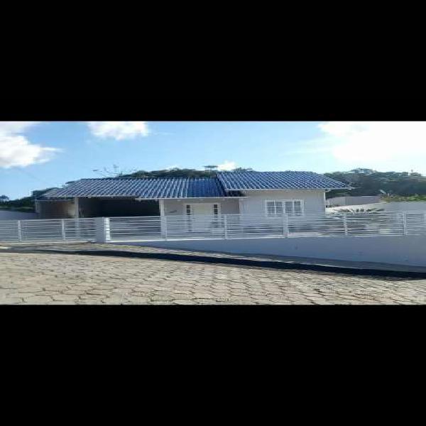 Casa de 120 metros quadrados no bairro souza cruz com 2