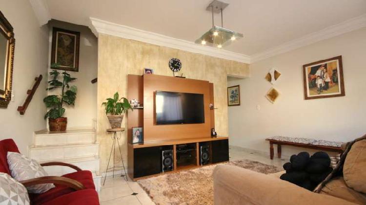 Casa de condomínio com 3 quartos e 136m2 para venda em