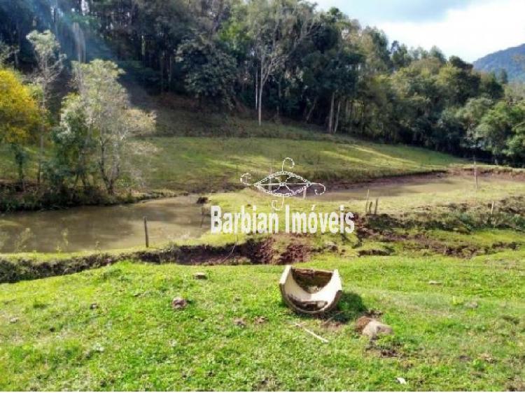 Fazenda/sítio/chácara/haras à venda no zona rural -