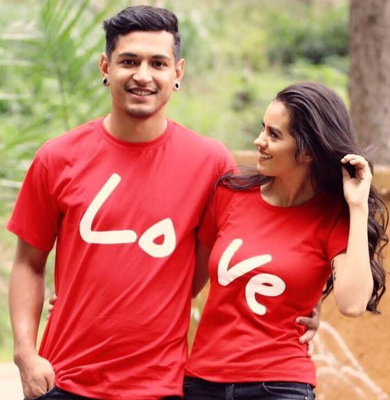 Kit com 2 camisetas love casal