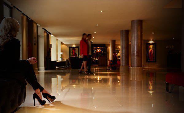 Trabalho com mayfairl hotel data de publicação: 02