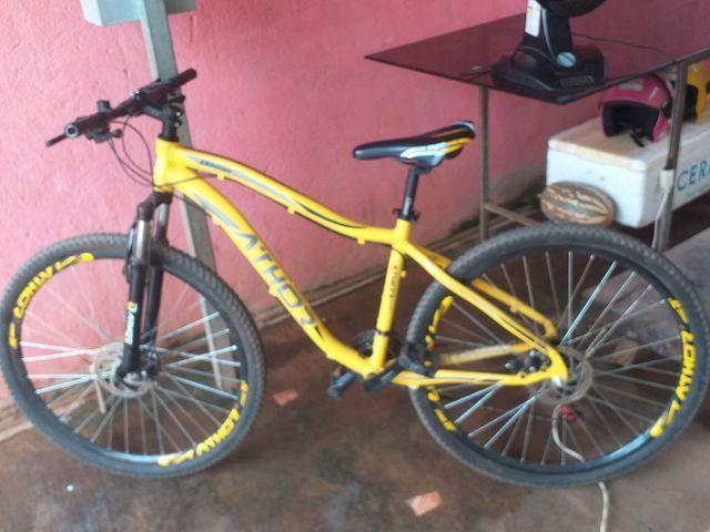 Bicicleta top nova