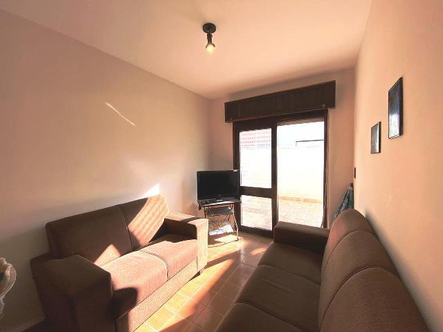 01 dormitório com terraço e box, totalmente mobiliado!