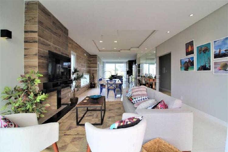 Belíssima casa finamente mobiliada e decorada, pronta para