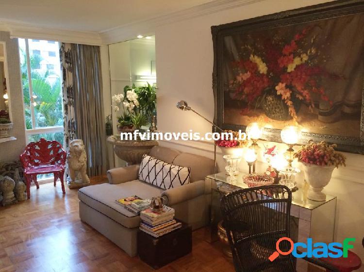 Apartamento de 3 quartos à venda na Rua Padre João Manuel 1