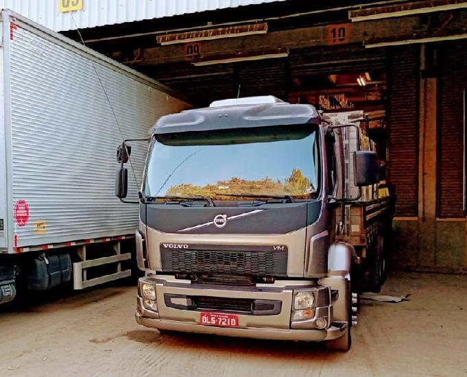 Caminhão truck volvo