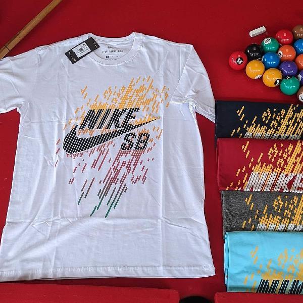 Camiseta masculina estampa nike