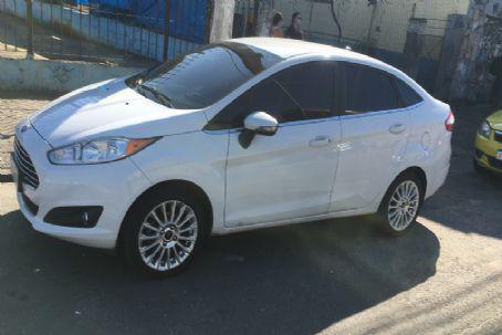 Ford-fiesta sedan titanium 1.6 16v at