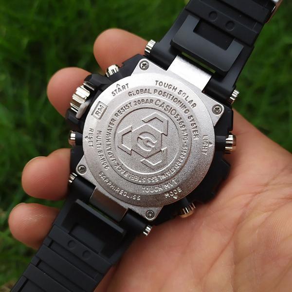 Relógio shock metal prateado com caixa