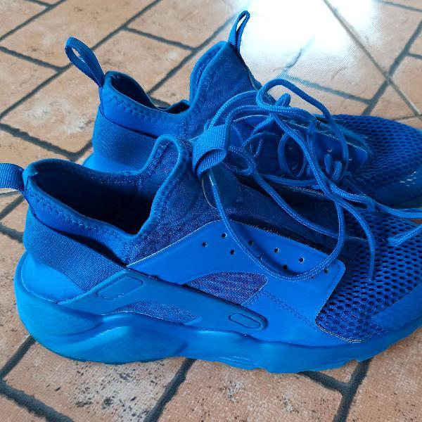 Tênis nike air huarache azul original, o novo é 450 reais
