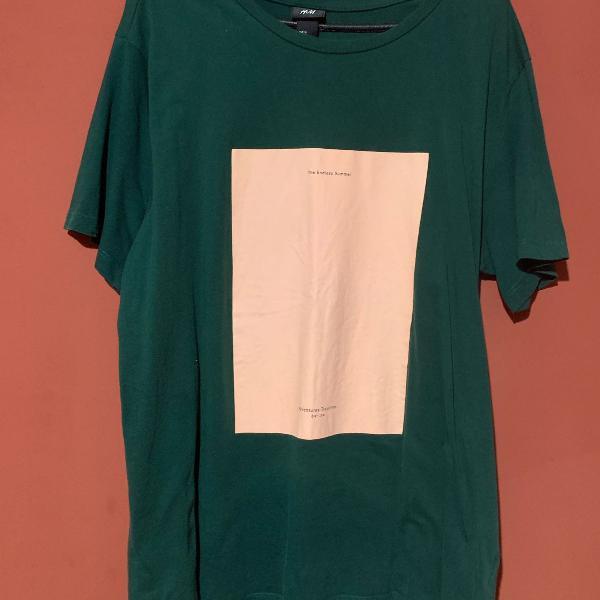 Blusa verde escuro com estampa