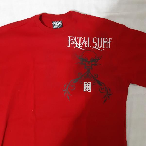 Camiseta vermelha fatal surf
